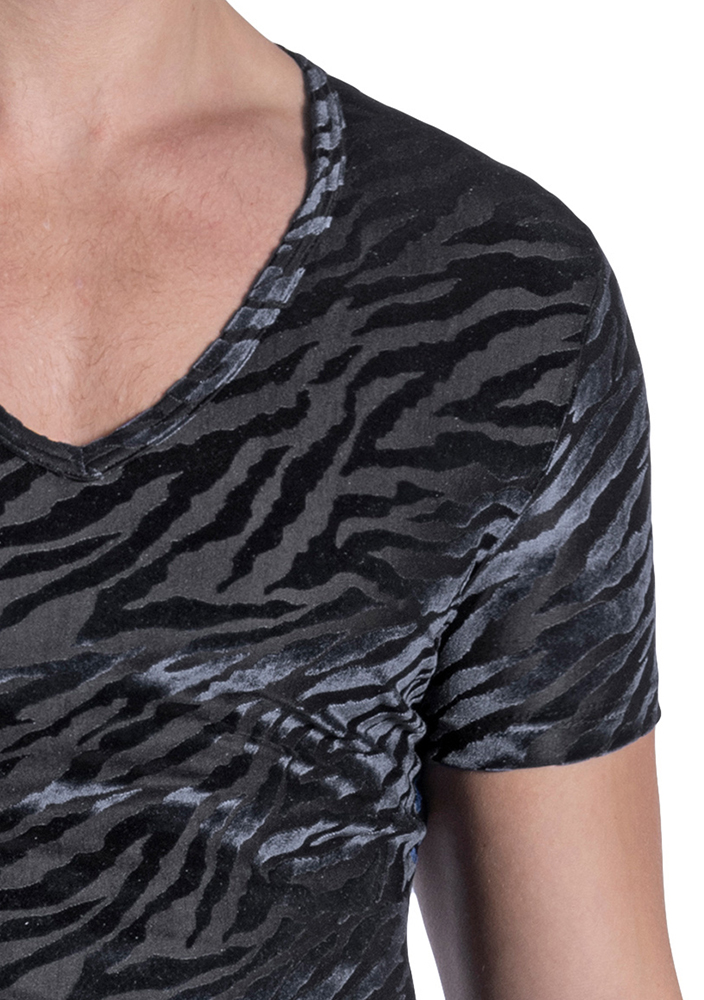 morepic-M2102 V-Neck Tee low   M2102   Styles  MANSTORE